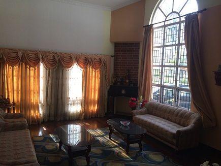 budhanilkantha-bungalow-inside
